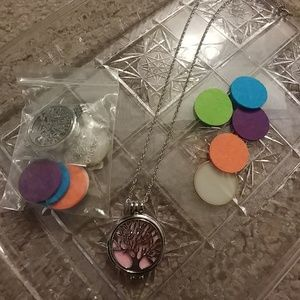 Brand new essential oil tree of life Necklaces